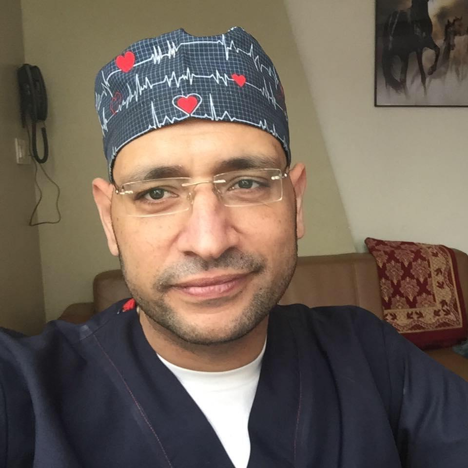 دكتور محمد بدر اخصائي اول جراحة المسالك البوليه والامراض التناسليه