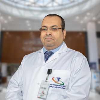 دكتور هشام درويش استشاري المسالك البولية
